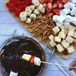 If you love The Melting Pot's chocolate fondue then you must try this easy homemade chocolate fondue recipe! This easy dessert recipe is perfect for a Valentine's Day treat for your husband or a stay at home date idea!